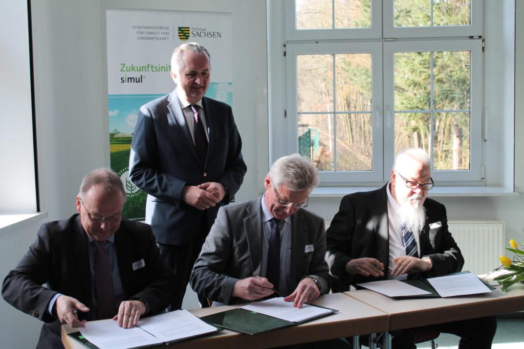 Unterschrift unter die Kooperationsvereinbarung